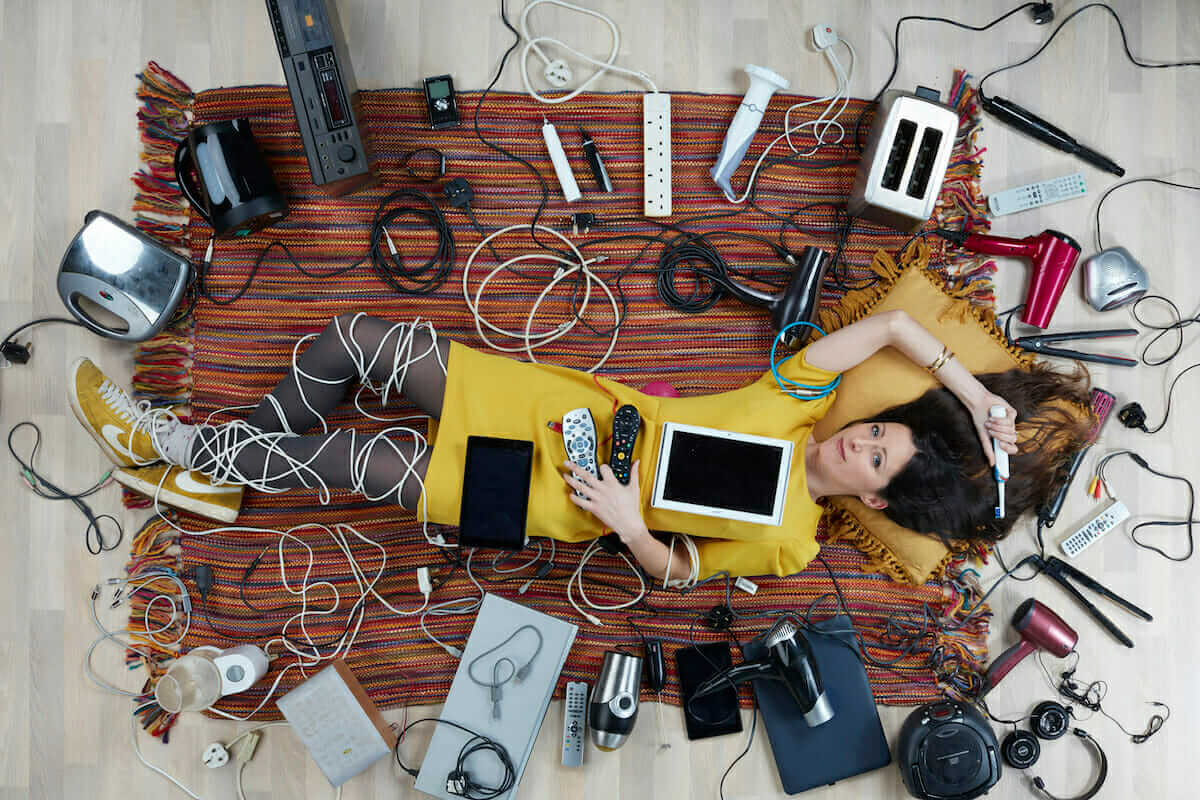 Natalie Fee with electricals photographed by Gregg Segal