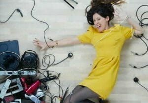 natalie fee with old electricals photo by Gregg Segal